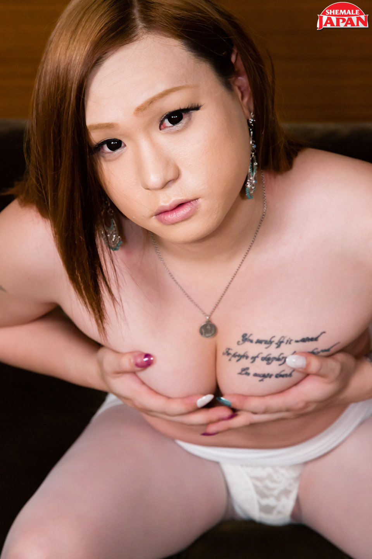 Ebony big butt naked