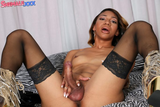 Natalia La Porta Shemale XXX Cumshot Friday