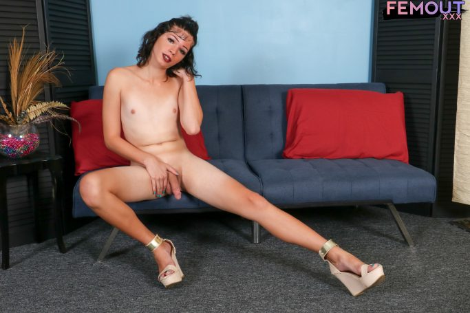 Rose Martinez Femout XXX